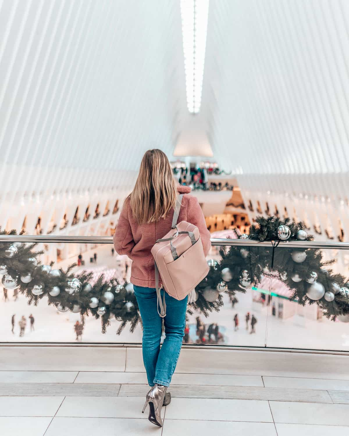 girl at the Oculus