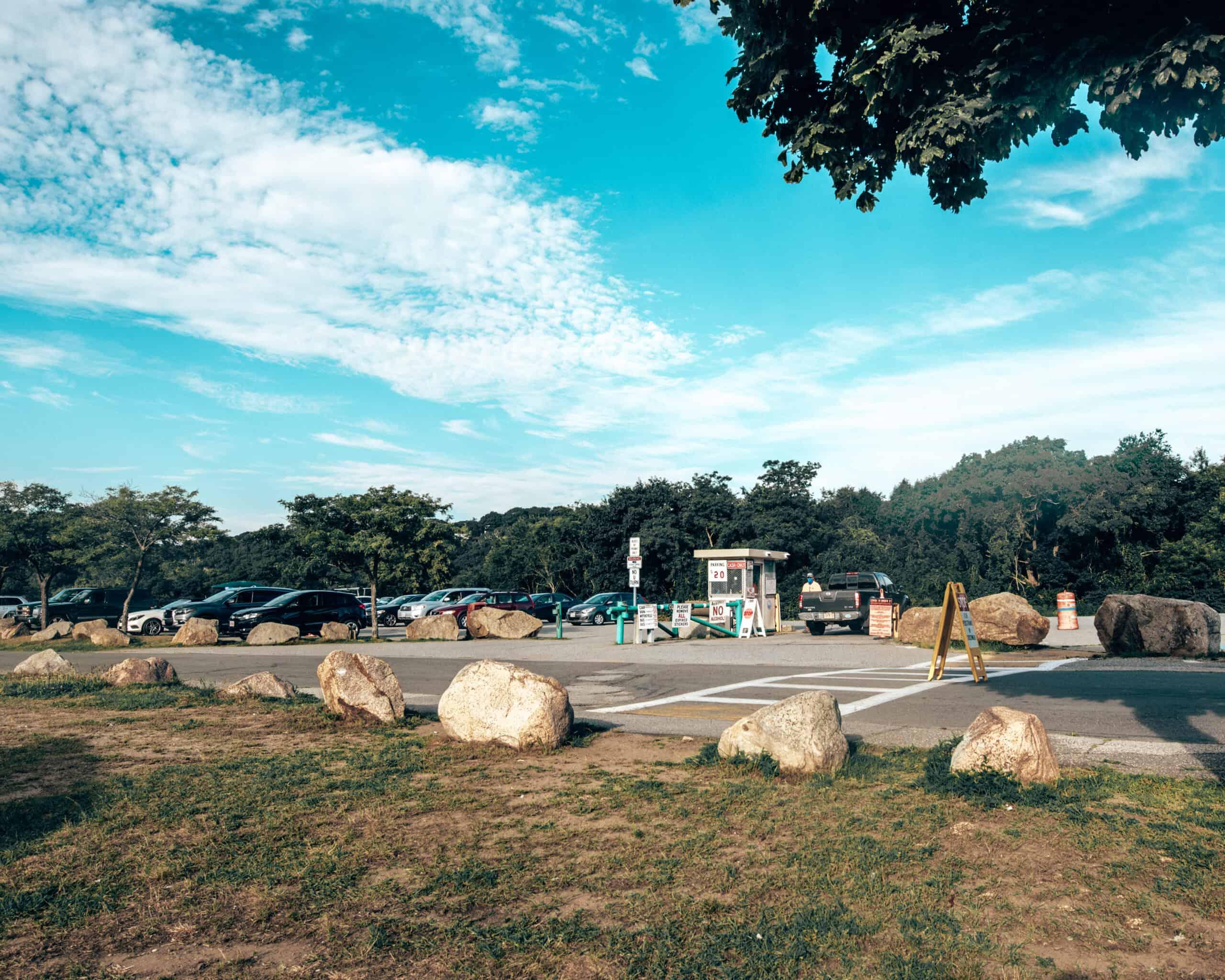 Stage fort Park Parking